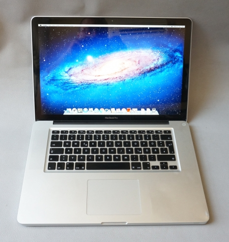 Core i7QM Apple MacBook Pro (15-inch, Early 2011)256ssd