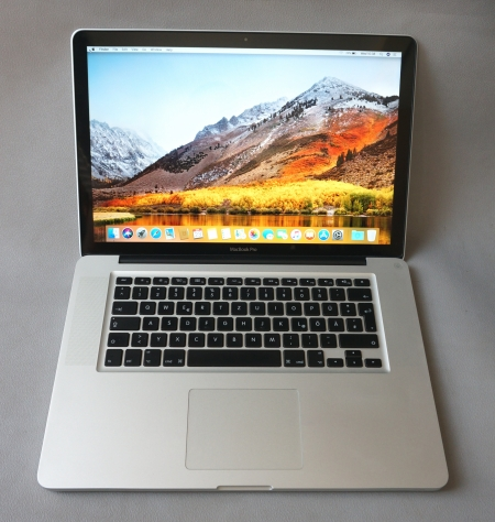 Core i7(Quad) Apple MacBook Pro (15-inch,Early 2011,256ssd)
