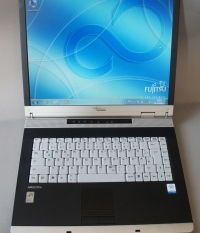 Fujitsu Amilo Pro V2030